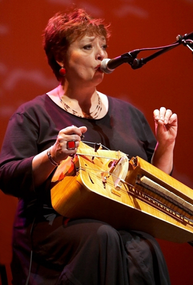 Evelyne Girardon vielle à roue